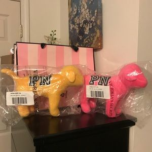PRICE FIRM SET OF 2 New vs PINK NATION DOGS